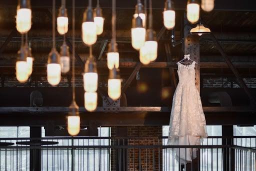 lighting-industrial-chic-wedding